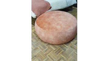 Grand pouf rose en velours