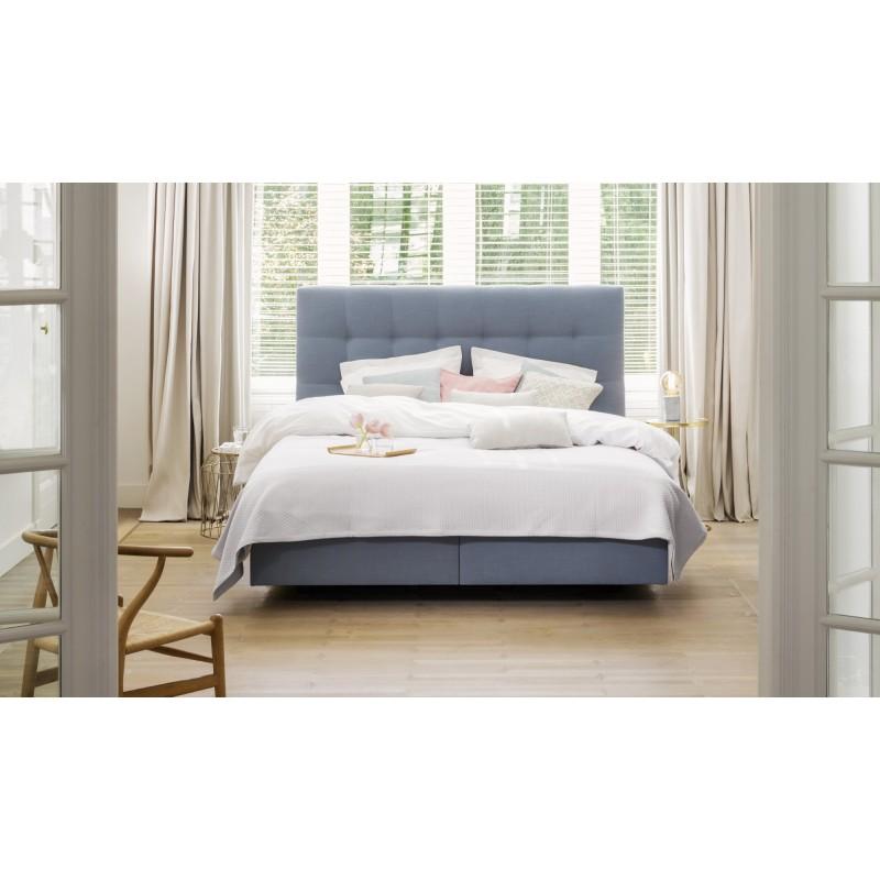 lit tapissier garni beka avec t te de lit couture boxsprings. Black Bedroom Furniture Sets. Home Design Ideas