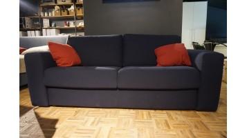 Canapé-lit bleu (expo)