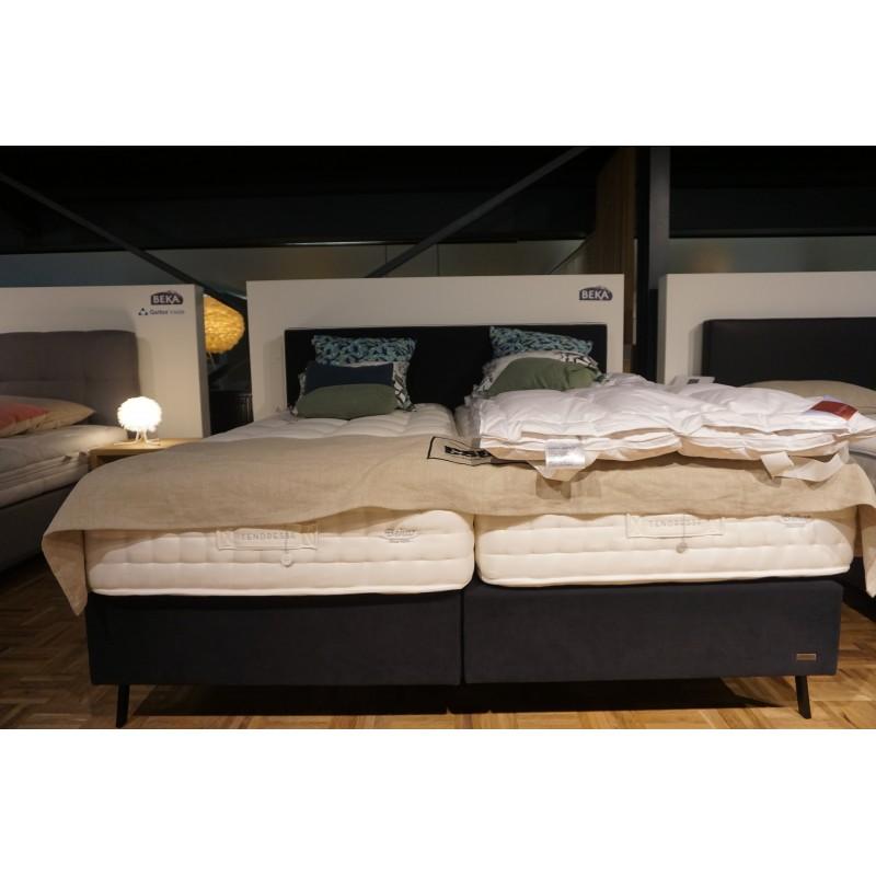 lit tapissier affordable lit tapissier design moderne noir x with lit tapissier awesome drme. Black Bedroom Furniture Sets. Home Design Ideas